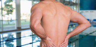 """American strength trainer reveals the source of your """"mysterious back pain"""""""