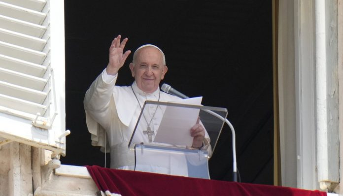 Pope had a temporary fever 3 days after bowel surgery