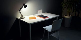Why you need a desk lamp in your workplace