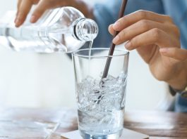 The biggest negative effect of drinking ice water you didn't know about, says one study