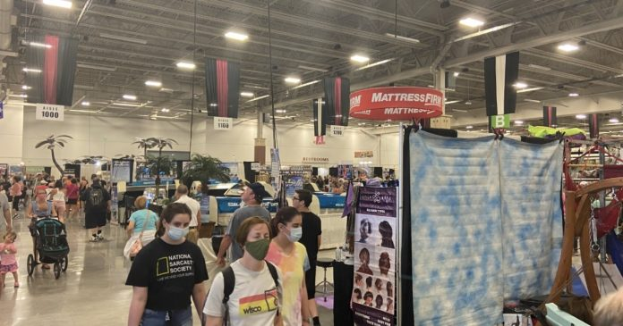 Demonstrations attract shoppers at the State Fair Expo Center