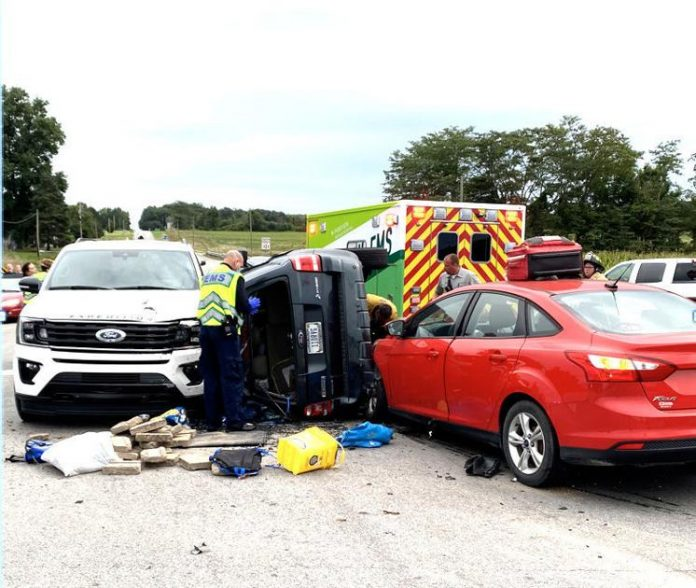 Accident with 3 vehicles sends 1 to hospital |  news