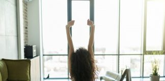 4 morning stretches to prepare you for a good day