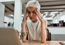 5 foods that, according to a nutritionist, can help relieve migraine symptoms