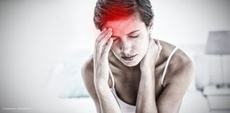 Mechanical corneal sensitivity in people with chronic pain