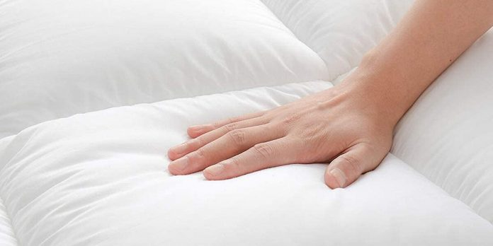 The extra thick mattress topper from Chopinmoon is on sale at Amazon